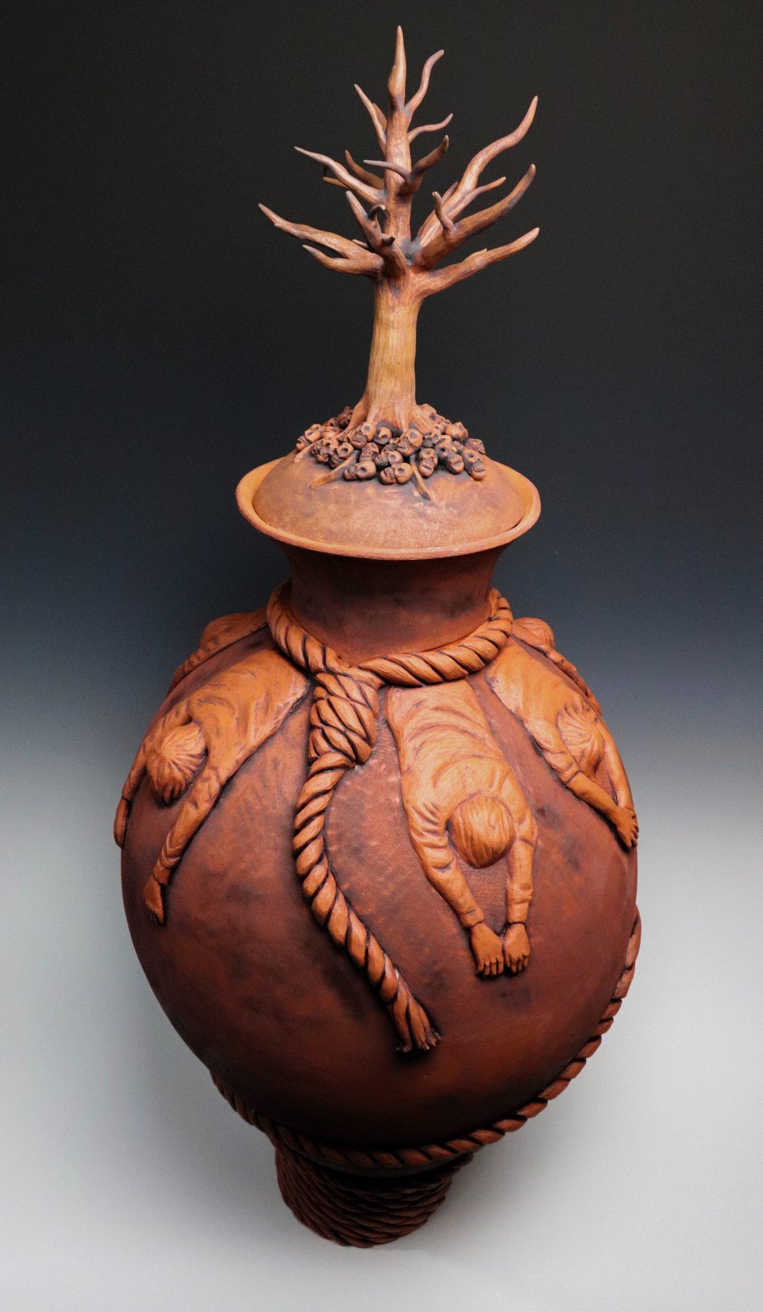La Matanza ceramic vase